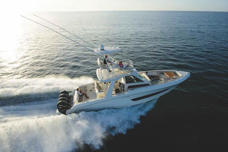 Boston-Whaler-420-Outrage-barche a motore