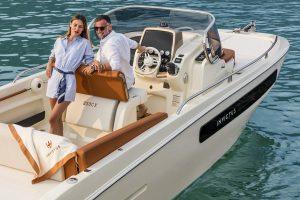 INVICTUS 250CX barche a motore