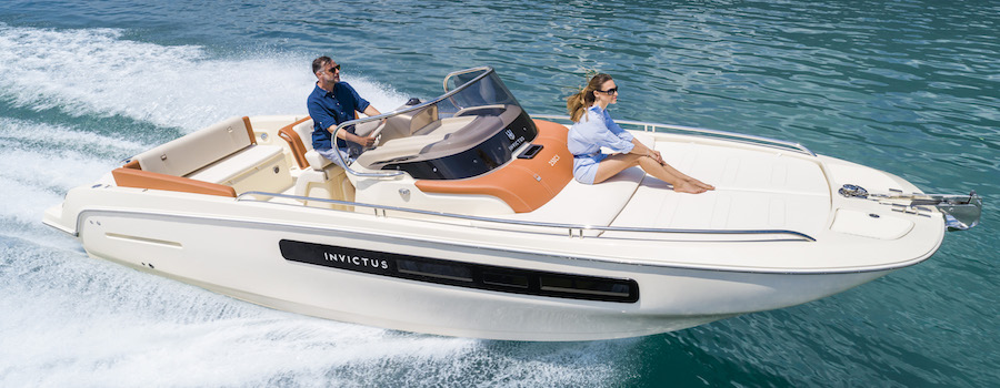 CX 250 Invictus | Italian style, comfort and space to sail