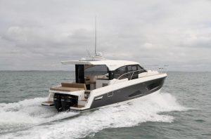 Parker Monaco 110 barca a motore