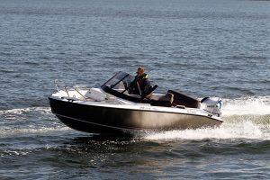 silver-fox-avant-br-40-barca a motore
