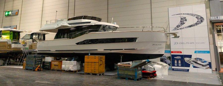 La prima barca con Fly di Delphia:BluEscape 1200 FLY