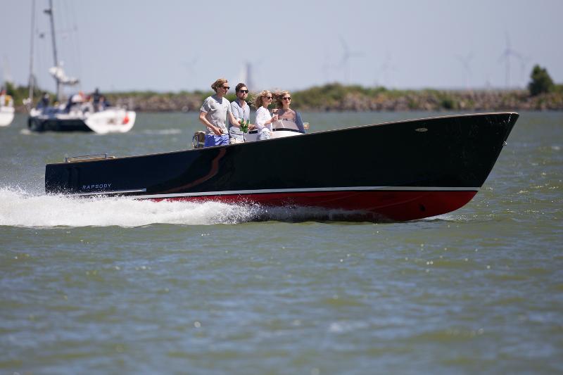 rapsody barca cabin tender 1