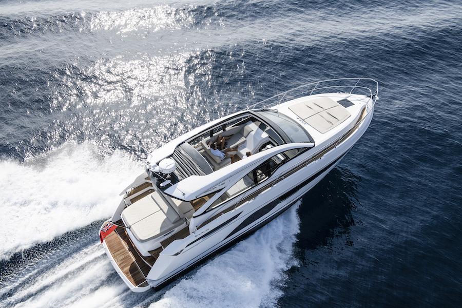 Fairline Targa 43 Open in navigazione