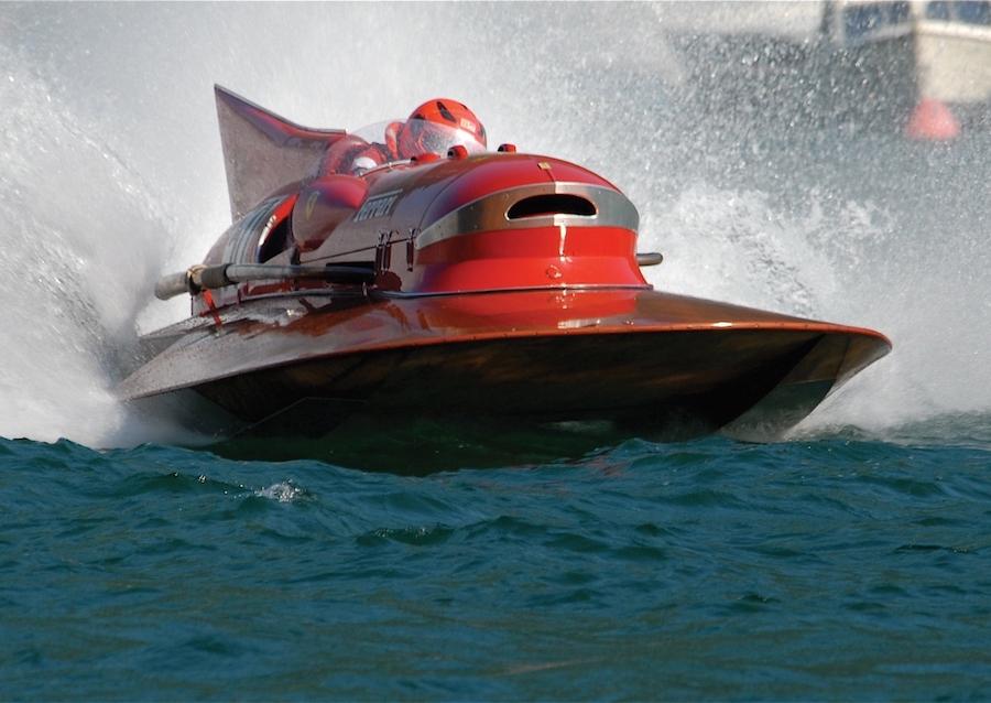 barca ferrari arno